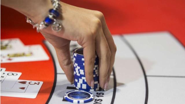 игры азартные на деньги с реальными людьми